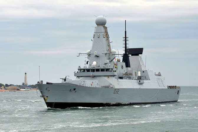 HMS Daring returns home to Portsmouth