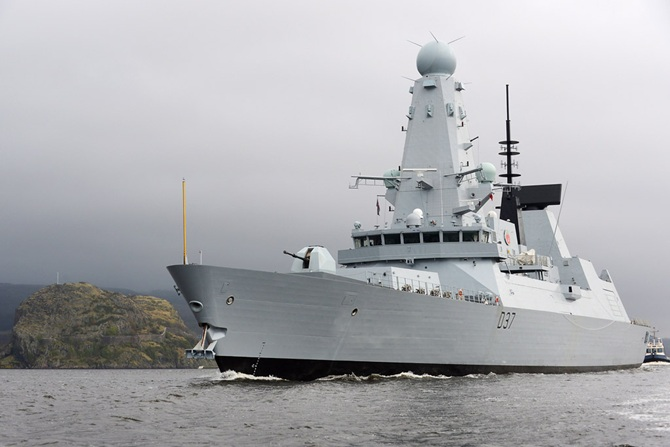 HMS Duncan returns to Scotstoun after trials